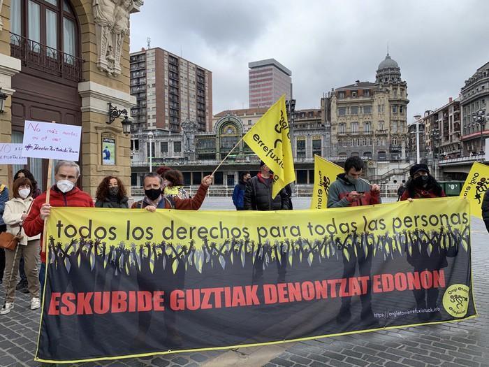 Elkarretaratzea egin du OEEk Kanarietako migratzaileen egoera salatzeko