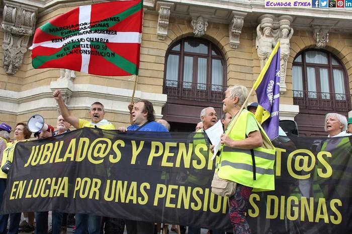 Pentsionistak Bilbotik Madrilera oinez