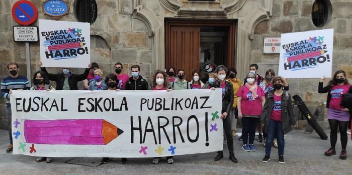 Euskal Eskola Publikoaz Harro plataformak eskola publikoaren aldeko mobilizazioa deitu du udazkenerako