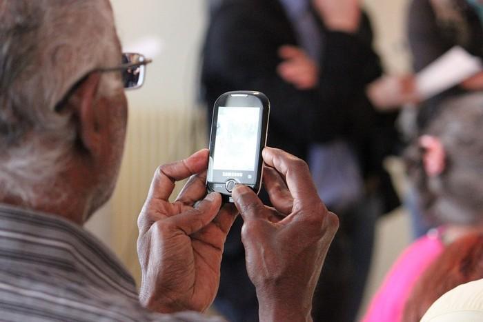 Txinatik Bilbora: amamaren telefonoa