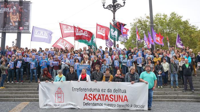 Kataluniako epaiaren aurka euskal gehiengo sindikalak mobilizazio deialdia zabaldu du urriaren 18an