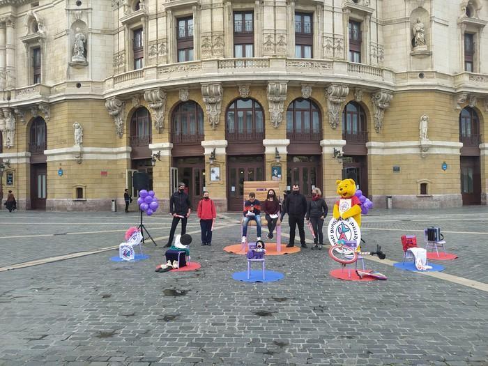 Jira eta bira Irati gurasoekin Euskal Herrira kalejira izango da otsailaren 6an Bilboko Arriaga plazan