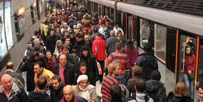 LABek salatu du aparteko 1000 ordutik gora egin direla abuztuan Metro Bilbaon