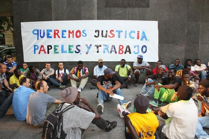 SOS Racismo mugimenduak xenofobia eta arrazakeria gaitzestera deitu du gaur