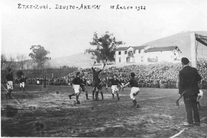 Etxezuriko futbol zelai zaharrak, ehun urte