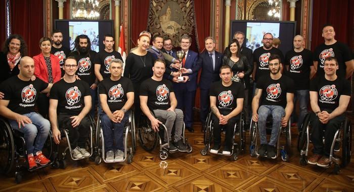 Bilboko Udalak harrera  egin dio Bidaideak Bilbao BSR klubari