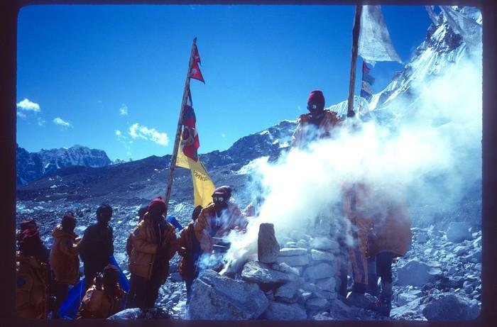 Euskal Espedizioa Everest gailurrean Emilio Hernandoren argazkietatik gogoratzen - 2