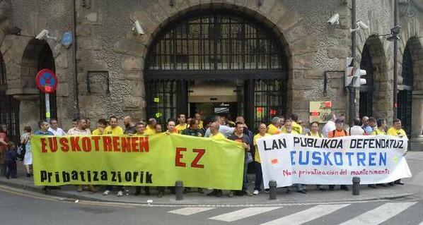Pribatizazioaren aurka mobilizatu dira Euskotreneko langileak