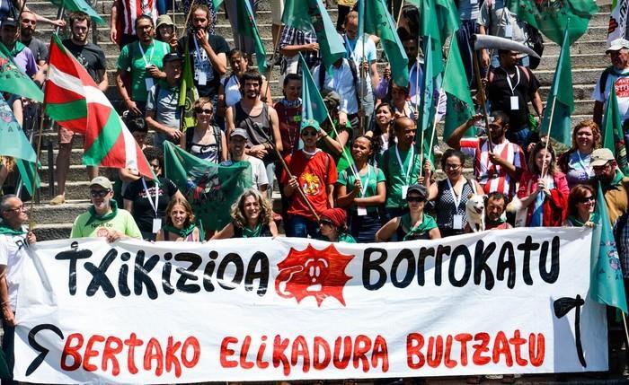 Elikagaien burujabetza aldarrikatzeko manifestazioa egingo du La Via Campesina mugimenduak