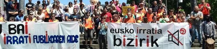 Eusko Irratiaren aldeko manifestua sinatzeko aukera