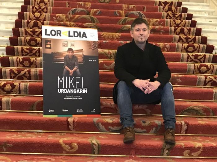 Mikel Urdangarin kantautorea izango da Loraldia Festibalaren seigarren edizioan