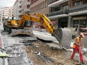 Esparru publikoaren okupazioa Errekalden eta ur mozketa Betolazan